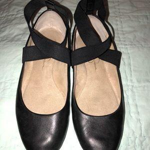 Jessica Simpson, ballerina flats